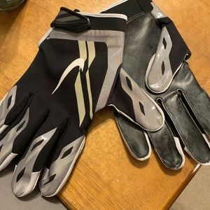 Nike Vapor Shield Cold Weather NFL Football Gloves